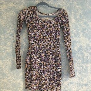 perfect for fall long sleeve floral mini dress